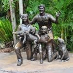 australia zoo irwin family statue