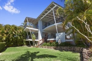 front of house at 15 Mariners Place Sunrise Beach