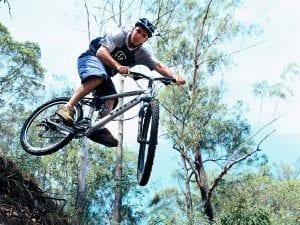 person on mountain bike in noosa hinterland